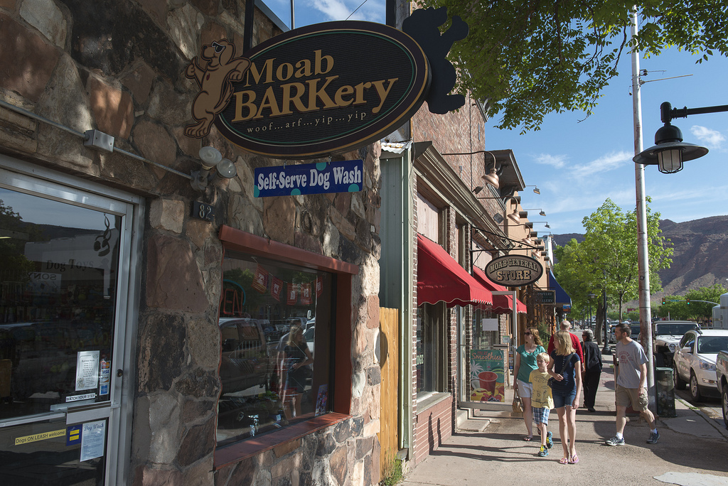 Moab BARKery - Self-Service Dog Was Exterior