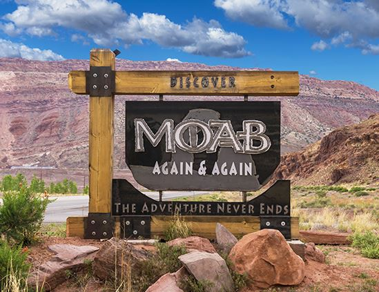 Discover moab sign